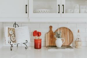 Холодильник не должен быть забит едой: Как хранить продукты по всем правилам